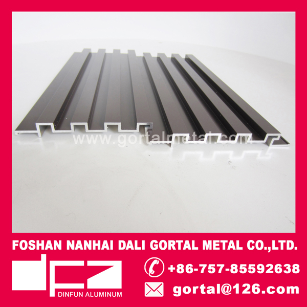 Aluminum extrusion decorative wall panel