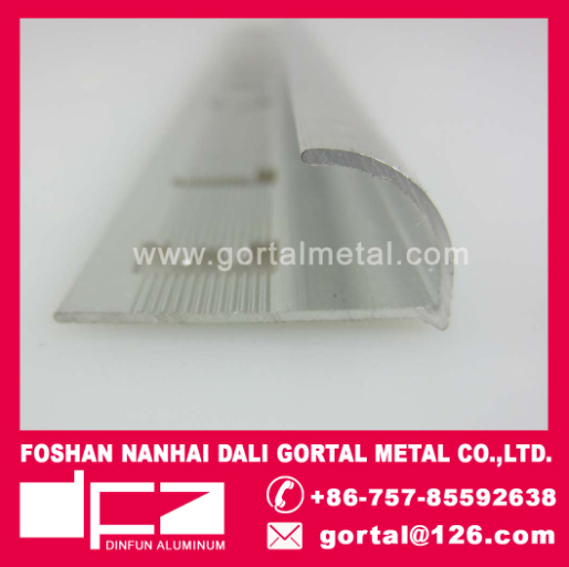 Aluminum flooring connect trim