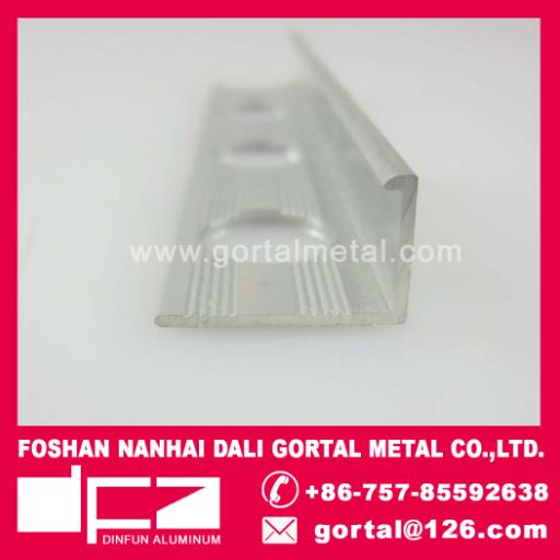 Aluminum tile corner protective strip
