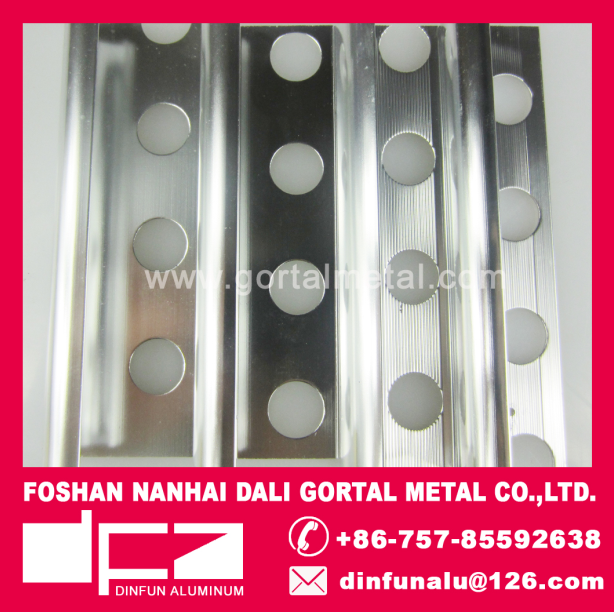 Aluminum internal corners trim profiles